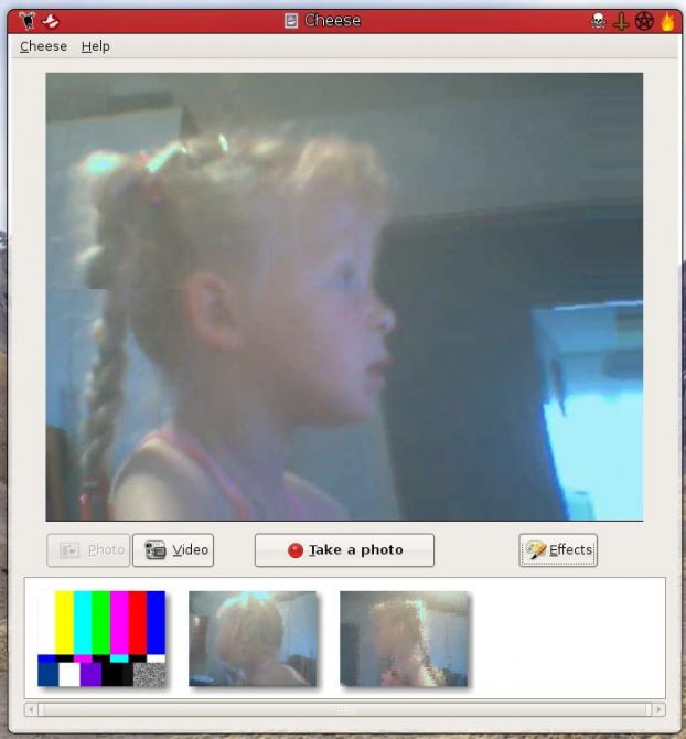 Cheese - программа для веб камеры искажение